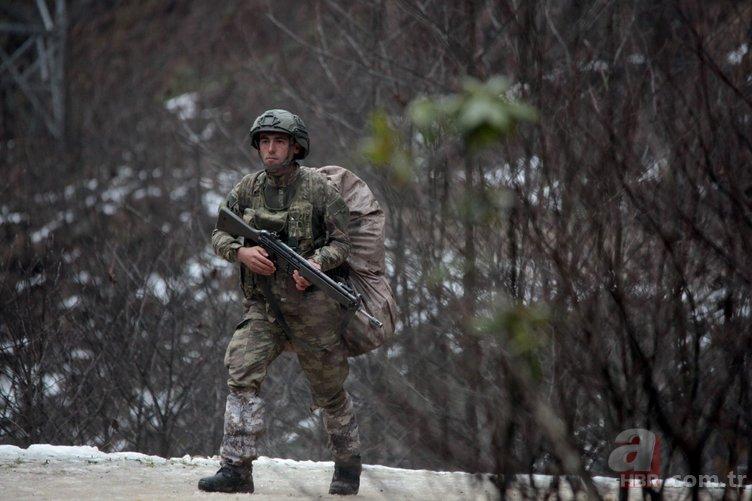 Karadeniz'de PKK'lı teröristler yalın ayak kaçtı.