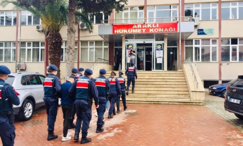 Trabzon'da hırsızlık çetesi yakayı ele verdi.