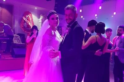 Özlem ve Mehmet Muhteşem Törenle Dünya Evine Girdiler.